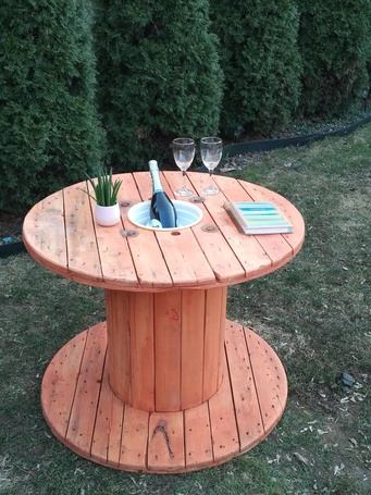 Table de patio en bobine